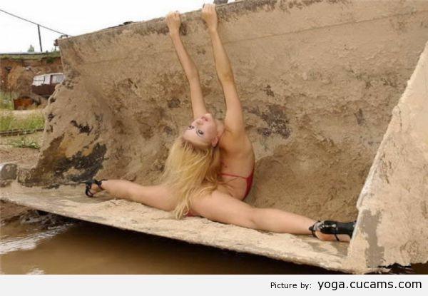 Yoga Blowjob Parody by yoga.cucams.com